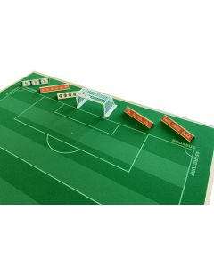 62200 - SET F. PACK OF 5 GROUND ADVERTISING BOARDS.