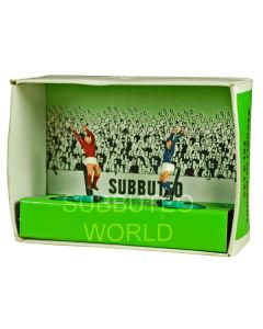 C132. ORIGINAL 1970's THROW-IN FIGURES. Red & Blue Kits.