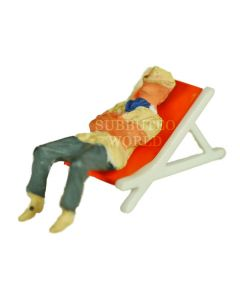 TC-Q1. ONE SPECTATOR & DECKCHAIR. colours may vary.