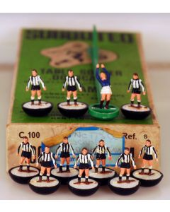 HW008. NEWCASTLE UTD. GRIMSBY. NOTTS COUNTY. Mid 70's HW Team, numbered box.