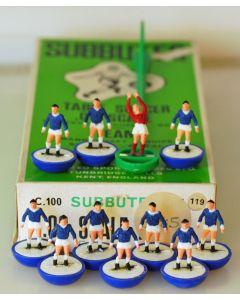 HW119. EVERTON. BERMUDA. HUDDERSFIELD TOWN. Late 70's HW team, numbered box.