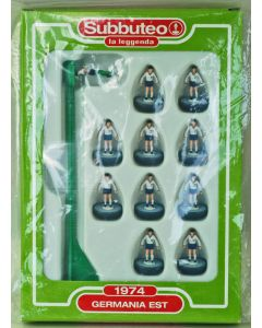 024. EAST GERMANY 1974. FABBRI SUBBUTEO TEAM, INCLUDES BOOKLET.