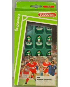 LW699. REPUBLIC OF IRELAND. Early 90's LW Team, numbered box.