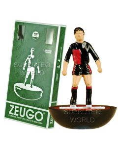 NEWELL'S OLD BOYS. MADE BY ZEUGO WITH ROUNDED HW BASES. REF 411.